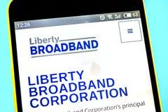 Berdyansk, Ukraine - 12 mai 2019 : ?ditorial illustratif de page d'accueil de site Web de Liberty Broadband Logo de Liberty Broad photos stock