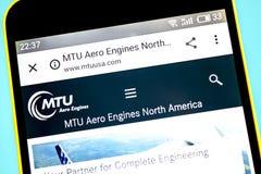 Berdyansk, Ukraine - 23. Mai 2019: MTU Aero Luftfahrtwebsitehomepage Maschinen AG MTU Aero Logo Maschinen AG sichtbar am Telefon lizenzfreies stockfoto