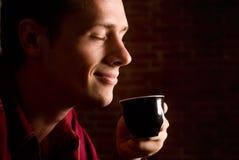 Bere piacevole del caffè Fotografia Stock Libera da Diritti
