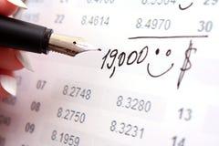 Berechnen Sie Einkommen lizenzfreies stockbild