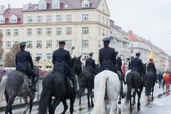 Bereden politie van Tsjechische Republiek op militaire parade stock afbeeldingen
