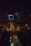 Bereich neues Paris - Laverteidigung nachts. Eine Art von lizenzfreie stockfotografie