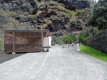 Bereich zum Picknick in Caloura, Aguade Pau Lizenzfreie Stockfotografie