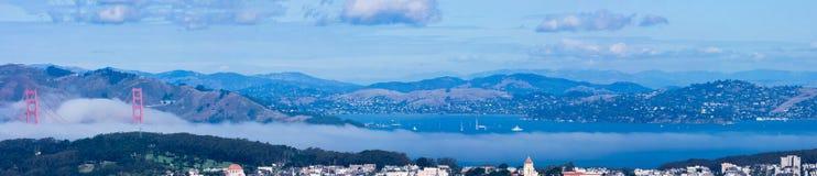 Bereichspanoramablick Sans Francisco Bay vom Zwilling ragt viewpo empor Lizenzfreie Stockfotos