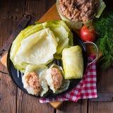Bereid de gevulde koolbroodjes voor stock afbeelding