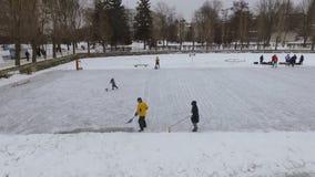Bereid ijs vóór hockey voor Lucht Mening stock footage