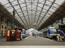 Bereist Bahnstation Stockfoto