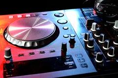 Bereiten Sie für DJ s vor lizenzfreie stockfotografie
