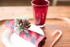 Bereiten Sie für gemütliche Wintermahlzeit vor Lizenzfreie Stockfotografie