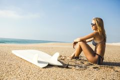 Bereiten Sie vor, um zu surfen Lizenzfreies Stockfoto