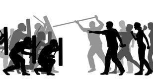 Bereitschaftspolizei unter Angriff Stockfotografie