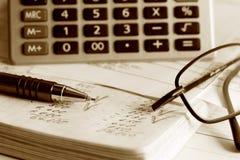 Berekening van financiële rapporten. Stock Afbeelding