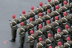 beretów czerwony żołnierzy target1934_0_ Fotografia Royalty Free