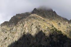 Bergöverkant Arkivbild