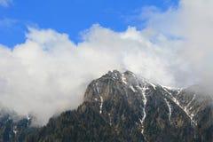 bergöverkant Arkivfoto