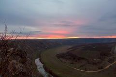 berg över solnedgång Arkivfoto