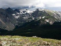 berg över storm Royaltyfria Bilder