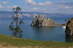 Berg auf dem Baikalsee Stockfotos