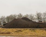 Berg av återanvänd asfalt Royaltyfri Fotografi
