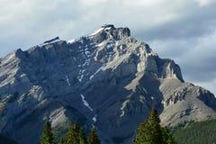 Berg av Banff Alberta, Kanada Fotografering för Bildbyråer