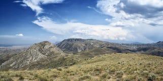 Berg av den sydliga Kirgizistan Arkivbilder