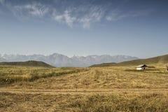 Berg av den sydliga Kirgizistan Royaltyfri Foto
