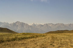Berg av den sydliga Kirgizistan Arkivbild