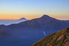 Berg av gryning Arkivbilder