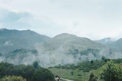 Berg av Prevalla, Prizren, Kosovo i morgondimman royaltyfria bilder