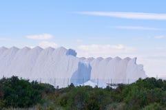 Berg av salt i Spanien Arkivfoton