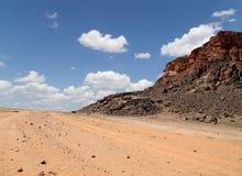 Berg av Wadi Rum Desert också som är bekanta som dalen av månen Royaltyfri Fotografi