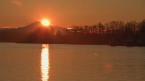 Berg-Bäcker Sunrise, Fraser River 4K UHD stock video