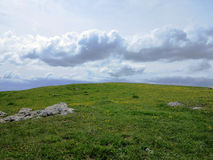Berg bewolkt gebied Stock Foto