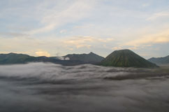 Berg Bromo und Berg Batok Stockbild