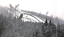 Berg Certak i Harrachov för republiktown för cesky tjeckisk krumlov medeltida gammal sikt Arkivfoton
