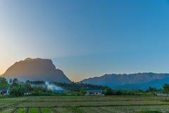 Berg Chiang Dao i Chiang Mai Arkivbilder