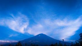 Berg Cikuray Arkivfoto