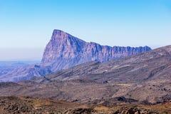 Berg dichtbij Jebel-Veinzerijen - Sultanaat van Oman stock afbeelding