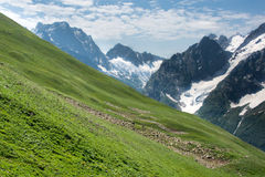 Berg Dombai, de Kaukasus, Rusland Stock Afbeelding