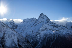 Berg Dombey, blå himmel, landskap fotografering för bildbyråer