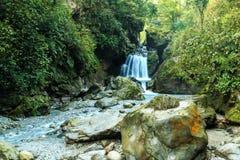 Berg Emei - Wasserfall Lizenzfreies Stockbild