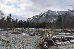 Berg en Droge rivier Royalty-vrije Stock Afbeeldingen