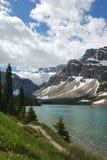Berg en meer Stock Afbeeldingen