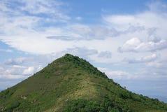 Berg en wolk Royalty-vrije Stock Afbeelding