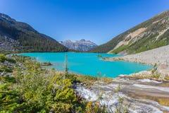 berg för berg för lake för gummilacka för corsica corsican crenode france Arkivfoton