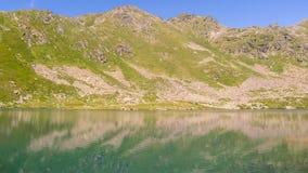 berg för berg för lake för gummilacka för corsica corsican crenode france Royaltyfri Fotografi