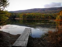 berg för berg för lake för gummilacka för corsica corsican crenode france Arkivfoto
