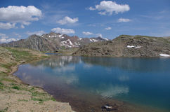 berg för berg för lake för gummilacka för corsica corsican crenode france alpin Royaltyfria Bilder