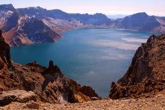 berg för changbaikraterlake Arkivbilder