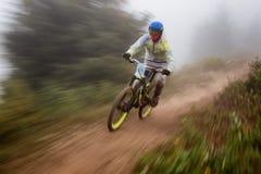 berg för cykelkonkurrensextreme arkivfoto
